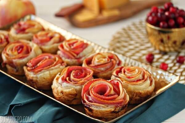 apple-cranberry-gouda-puff-pastry-roses-7